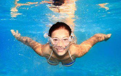 Zwemmen en sporten in het zwembad